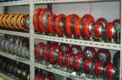 全电动堆高车与半电动堆高车优缺点